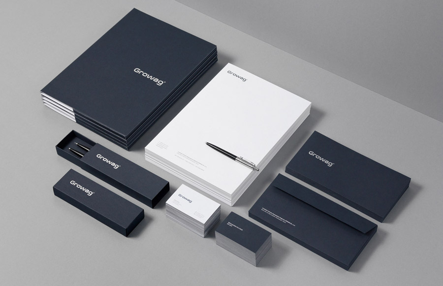 Ein edles dunkelblau im Corporate Design
