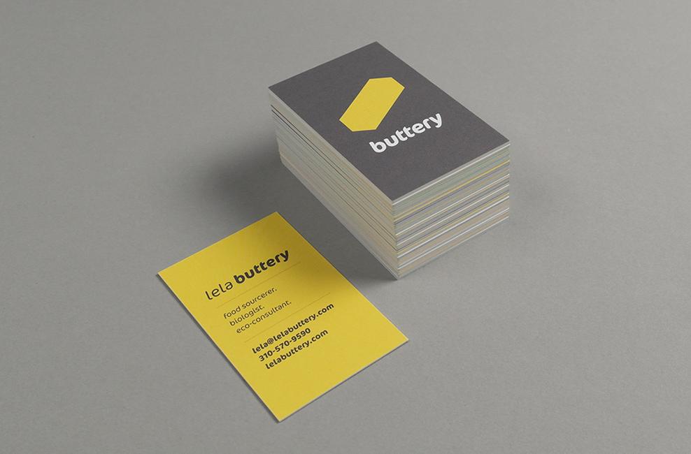 Gelbe Visitenkarten im Branding